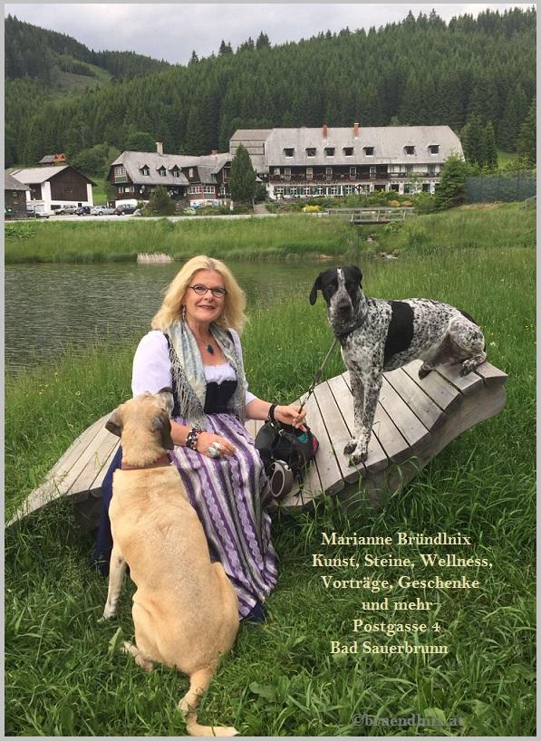 Marianne Urbanek in Tracht