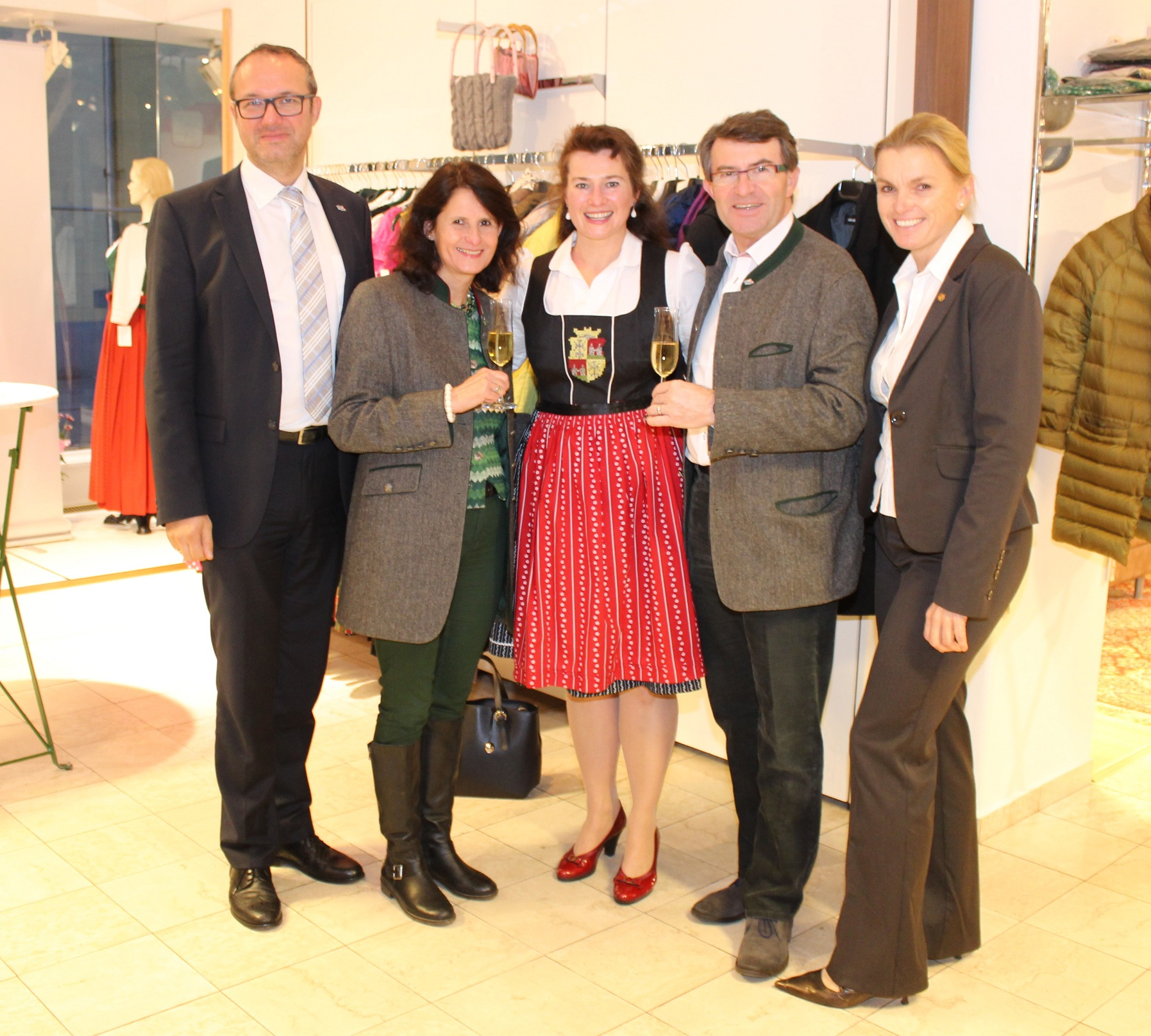 Eröffnungsmodeschau - Dr. Klosterer, Rosi Piribauer, Elke Wainig, SR Franz Piribauer, SR Lidwina Unger