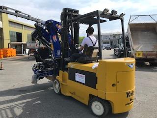 Un carrello elevatore elettrico per grosse portate