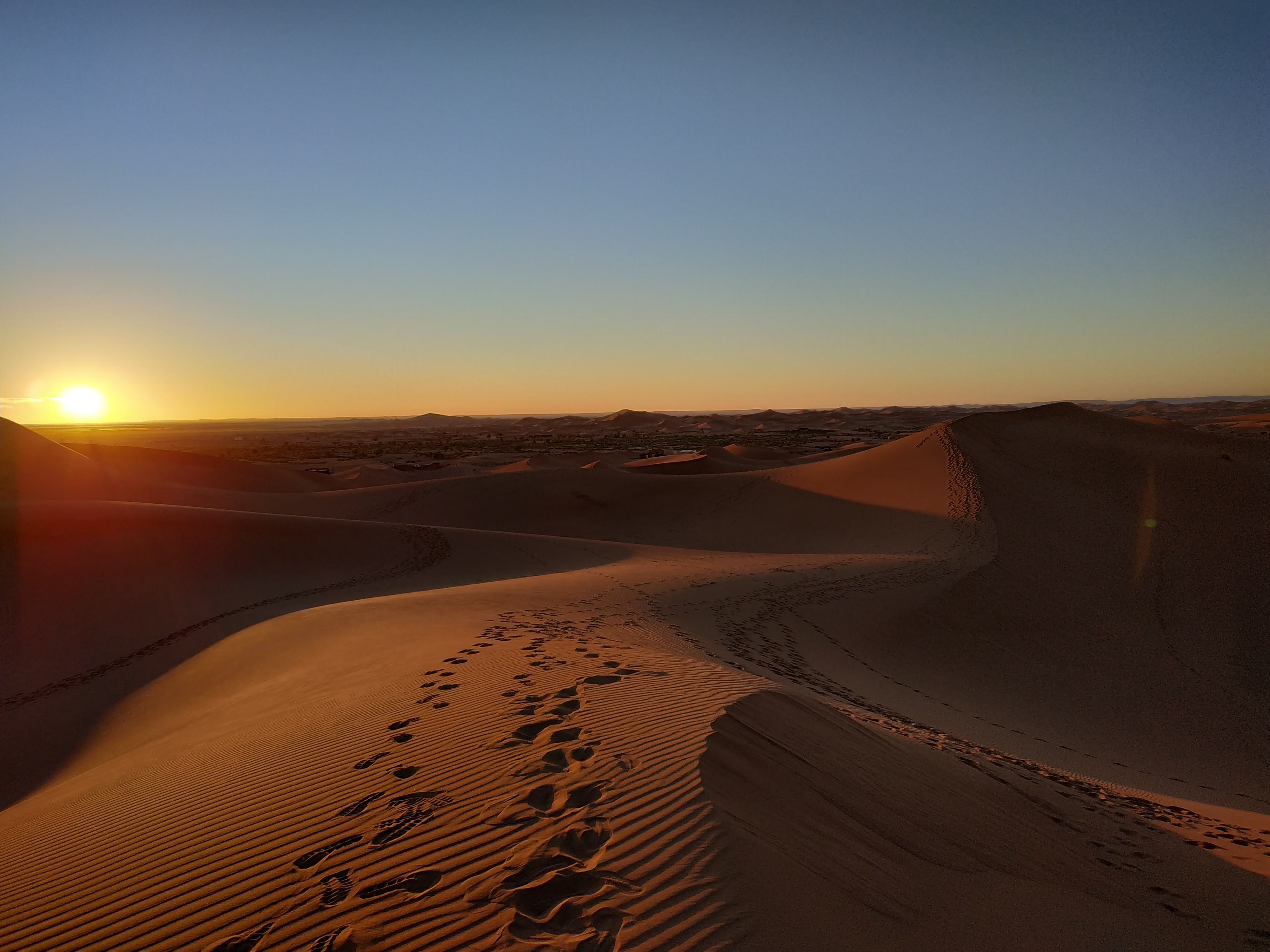 bivouac al pie de las dunas de Chegaga
