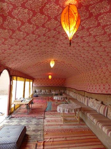 Le salon Marocain de la Kasbah Aladdin à M'Hamid