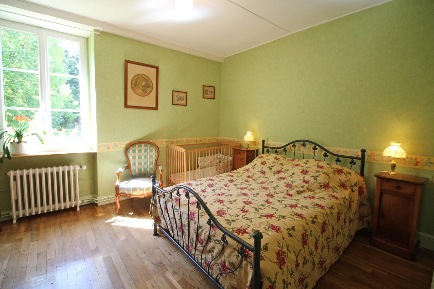 La chambre vert Limousin  la ferme de la Roche Chambres et