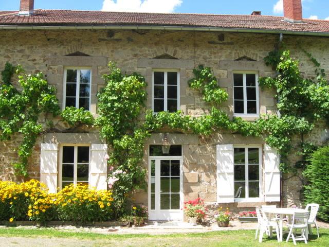Beau Bienvenue Aux Chambres Du0027hôtes De La Ferme De La Roche à Proximité De  Limoges