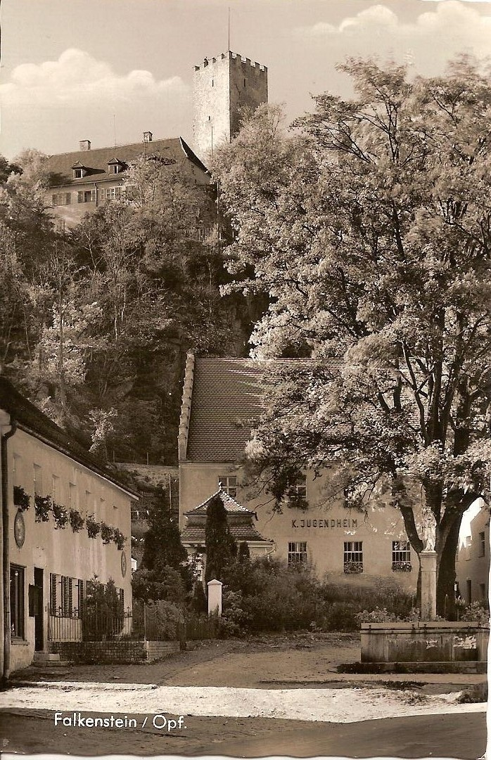Das Jugendheim 1957: Aufnahme von Foto-Studio Löwenhag Marktredwitz: (aus dem Nachlass von Christa Meier)