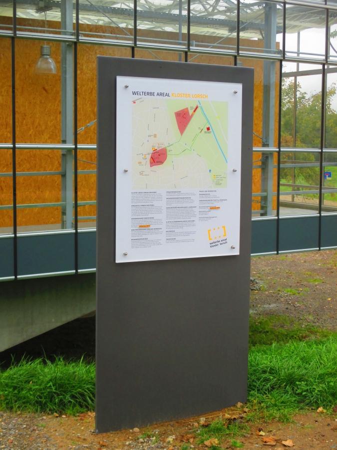 Displays/Signage
