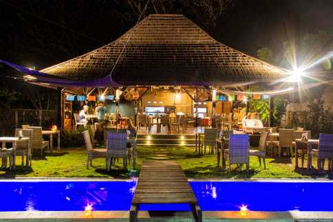 Restaurant for sale in Gili Air, Lombok. For sale by direct owner