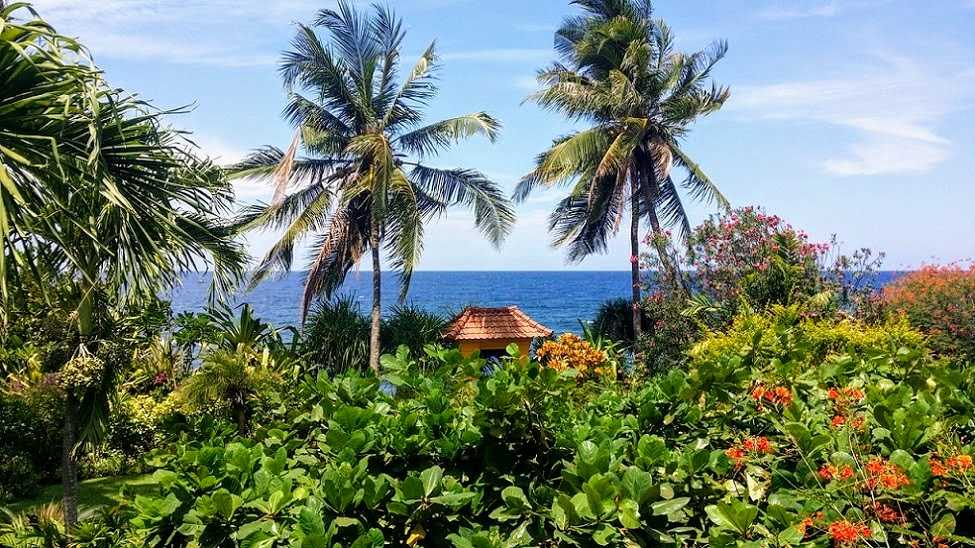 North Bali beachfront villa for sale. Direct contact owner