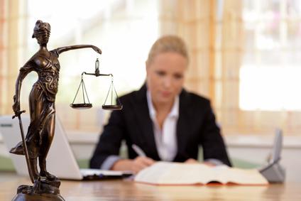 Das eigene Recht mit Hilfe eines Rechtsanwaltes durchsetzen