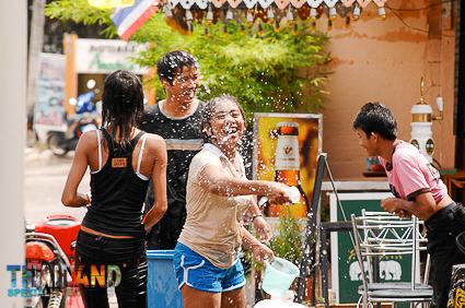 Songkran-Festival im Isan
