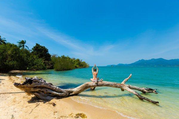 Yoga am Strand von Hua Hin