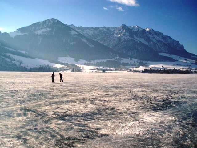 Eislaufen auf dem See