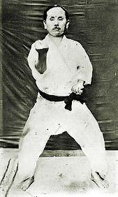 Gichin Funakoshi .Tekki shodan