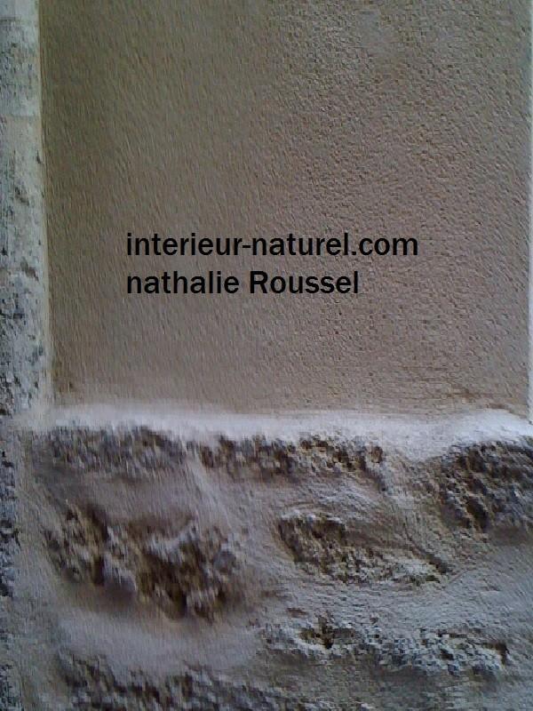mur en pierre et enduit de chaux