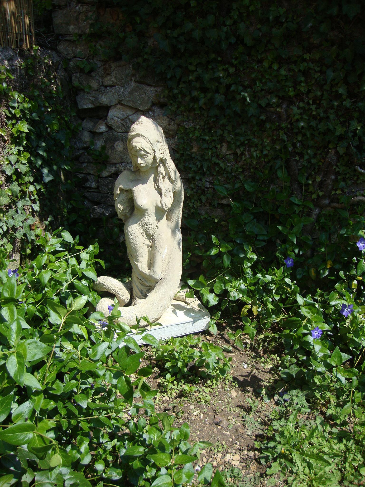 sculpture de Nacéra Kaïnou