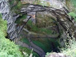 Camping Les Trois Sources Vallées Lot Dordogne - Visitez le Gouffre de Padirac - Descente dans les profondeurs