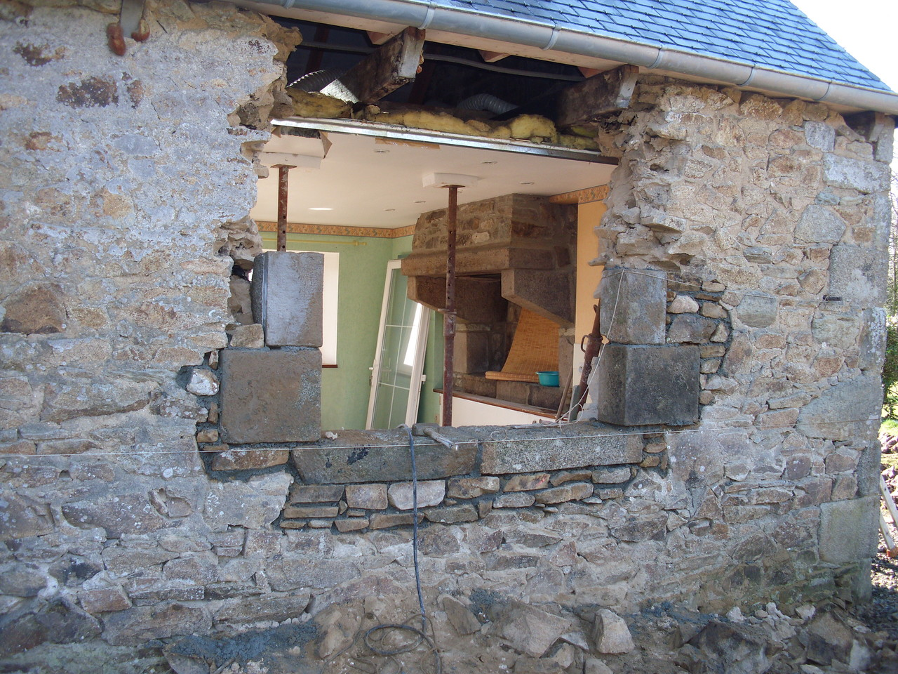Création de la fenêtre arrière de la cuisine ...