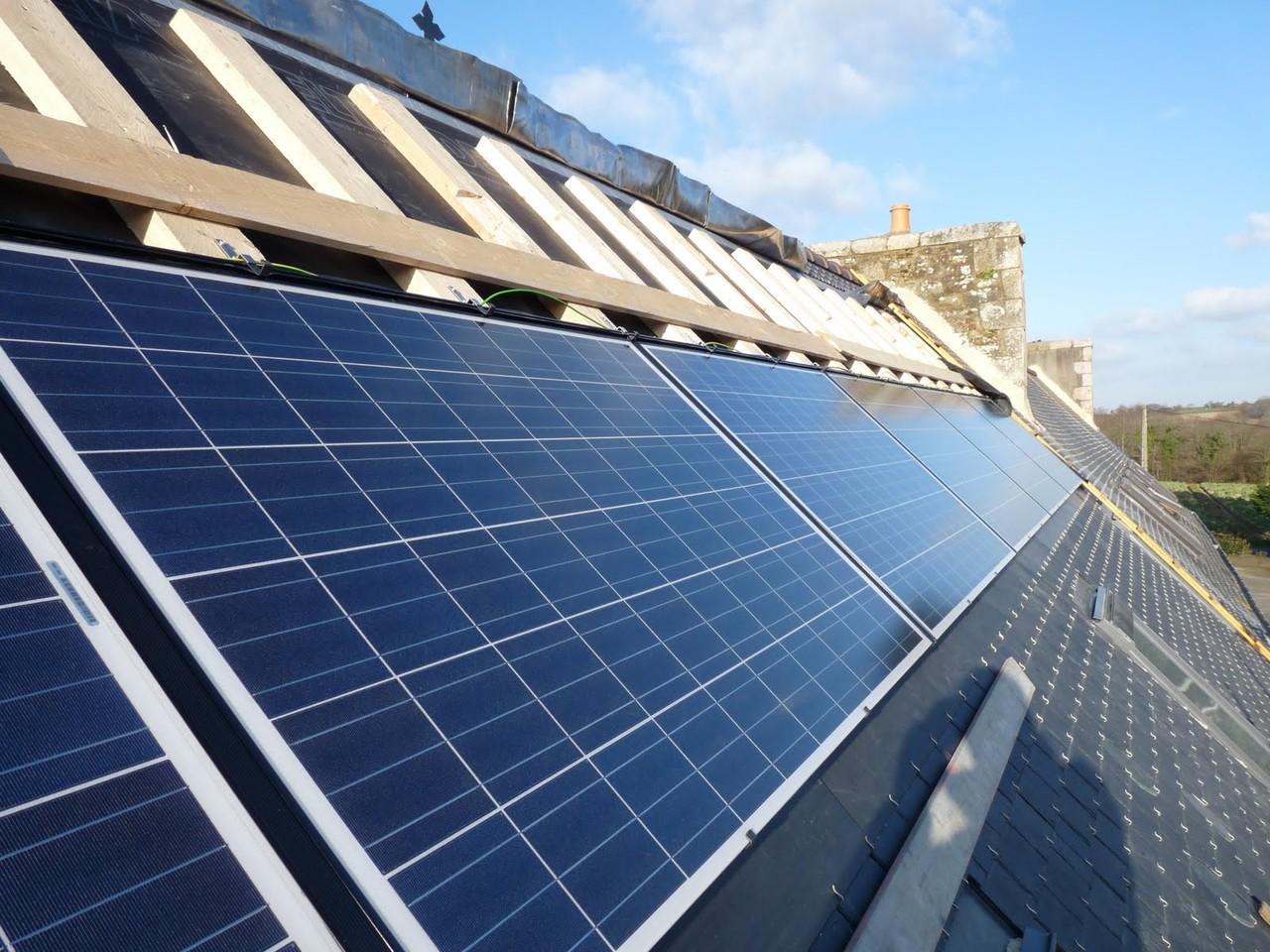 Pose des panneaux photovoltaïques ...