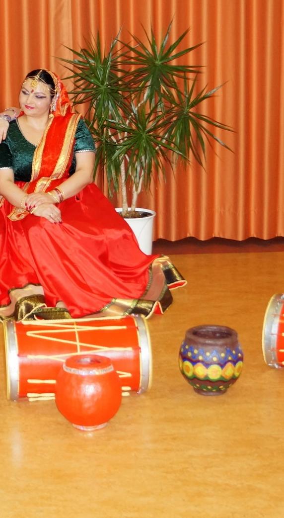 Indischer Tanz -BollywoodTanz -Saraswati