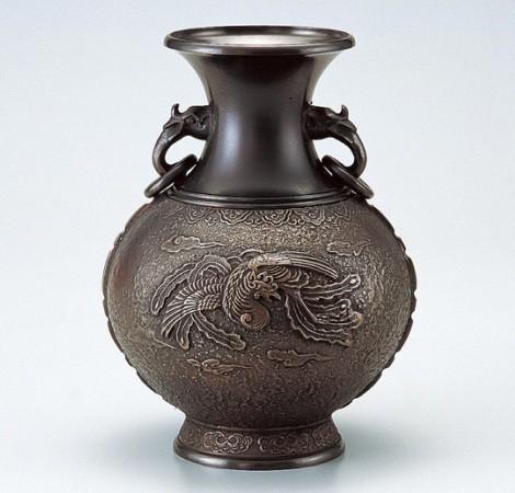 銅製花瓶(2) - 高岡銅器展示館