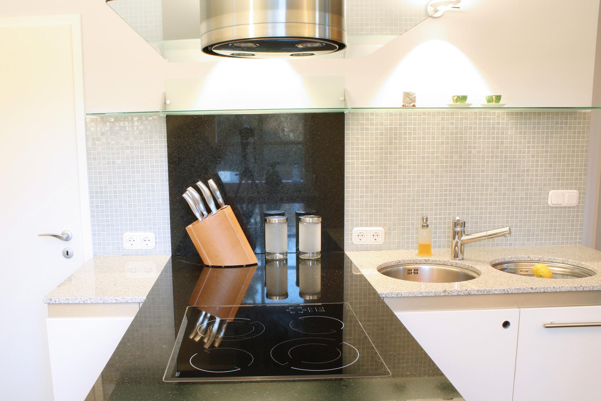 Atemberaubend Low Budget Küche Design Bilder - Küchenschrank Ideen ...