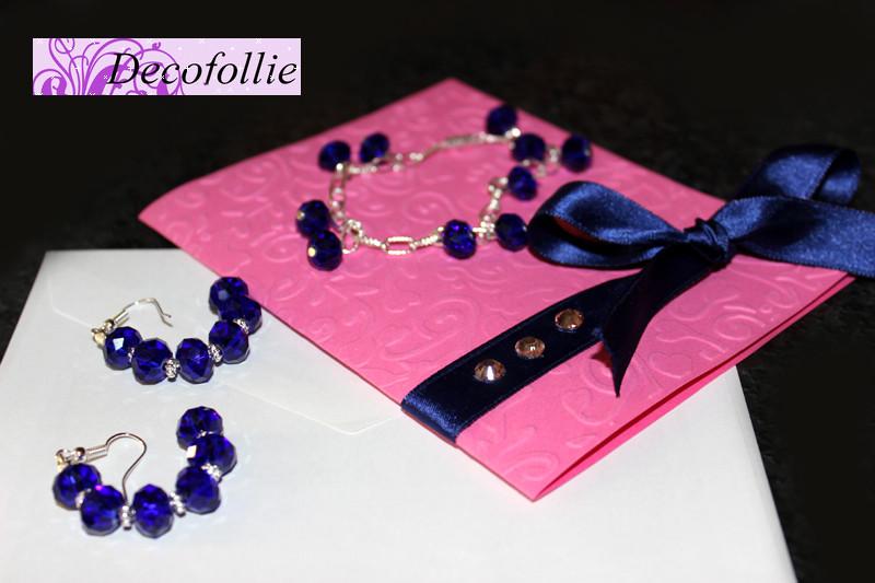 Art.310E  Braccialetto e orecchini in swaroski a cipolla color blu intenso corredati da una card speciale per un regalo ad una persona speciale...tutto ovviamente creato da me!