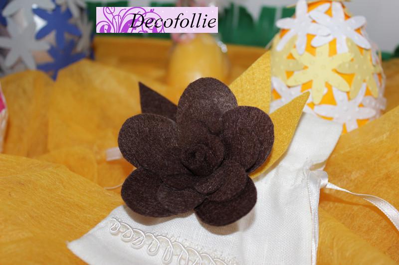 Art.307E  Spilla fiore in pannolenci