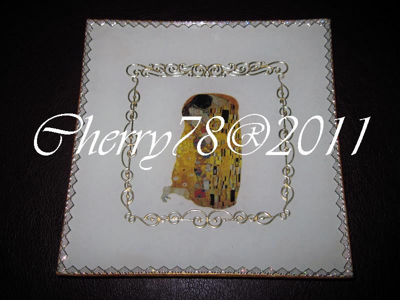 Piatto quadrato, bacio di klimt, acrilico, contorni artisci rilievo oro