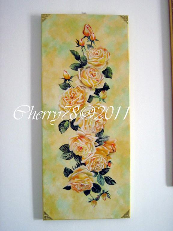 Tela 30x80, tralcio fiori su basi acrilici spugnati, vernice finale all'acqua lucida , angoli oro rilievo
