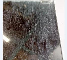 鏡・ガラス ウロコ汚れを掃除する方法 (軽い汚れ)