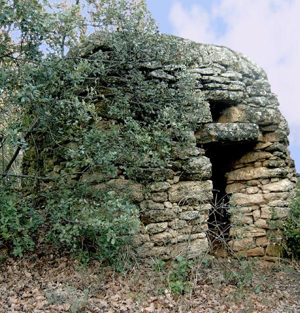 Chamaret, un borie du village.
