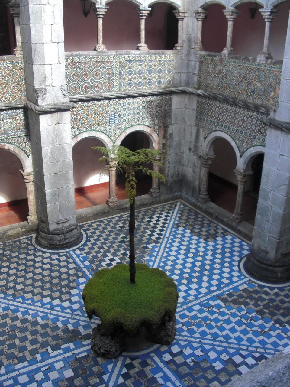 Cour intérieur - Chateau de Pena (photographié par moi même)
