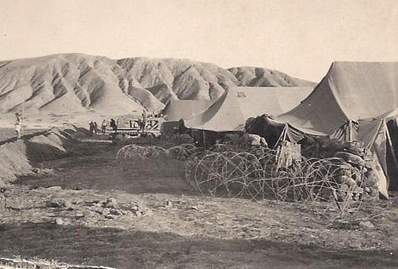 1957: arrivée en plein djebel vers TIARET. 5 photos de  René Boucard originaire du village des Couëttes