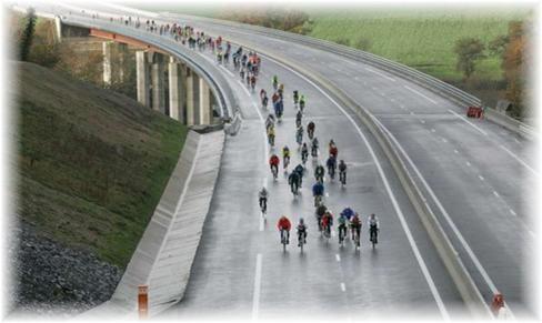 Vision insolite sur la nouvelle autoroute...