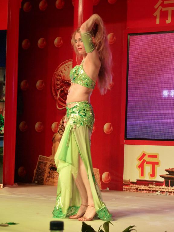 Bauchtanz Auftritt in Peking, Bauchtänzerin Seiya aus Köln, NRW, Rheinland, Deutschland