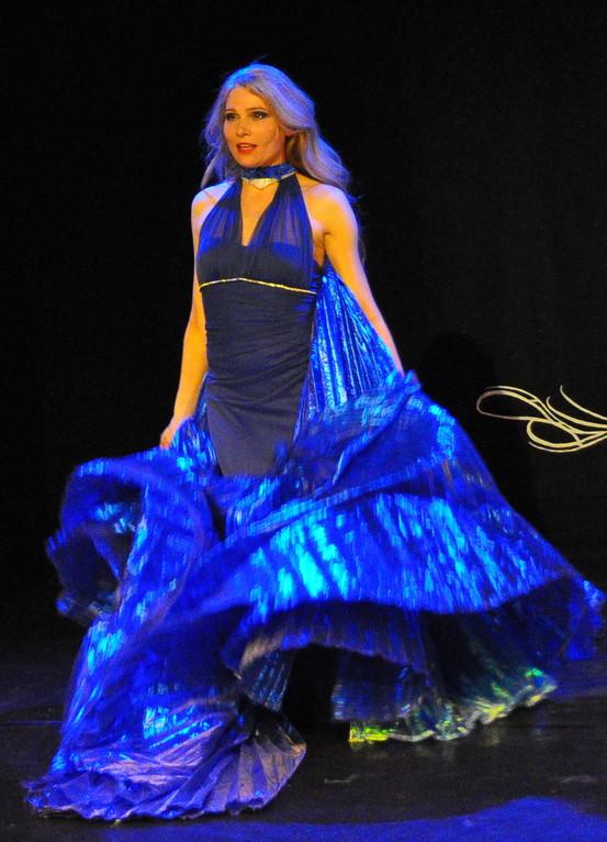 Bauchtänzerin Seiya, Bauchtanz Auftritt in Köln, Tanz des Mondes Show