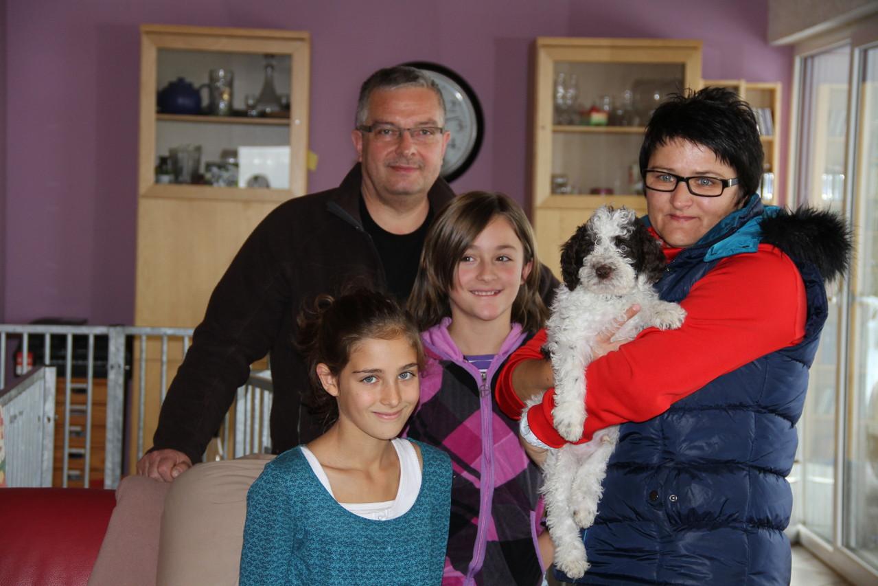 Carlos darf in sein neues Zuhause zur Fam. Fuchs nach Hasborn umziehen!