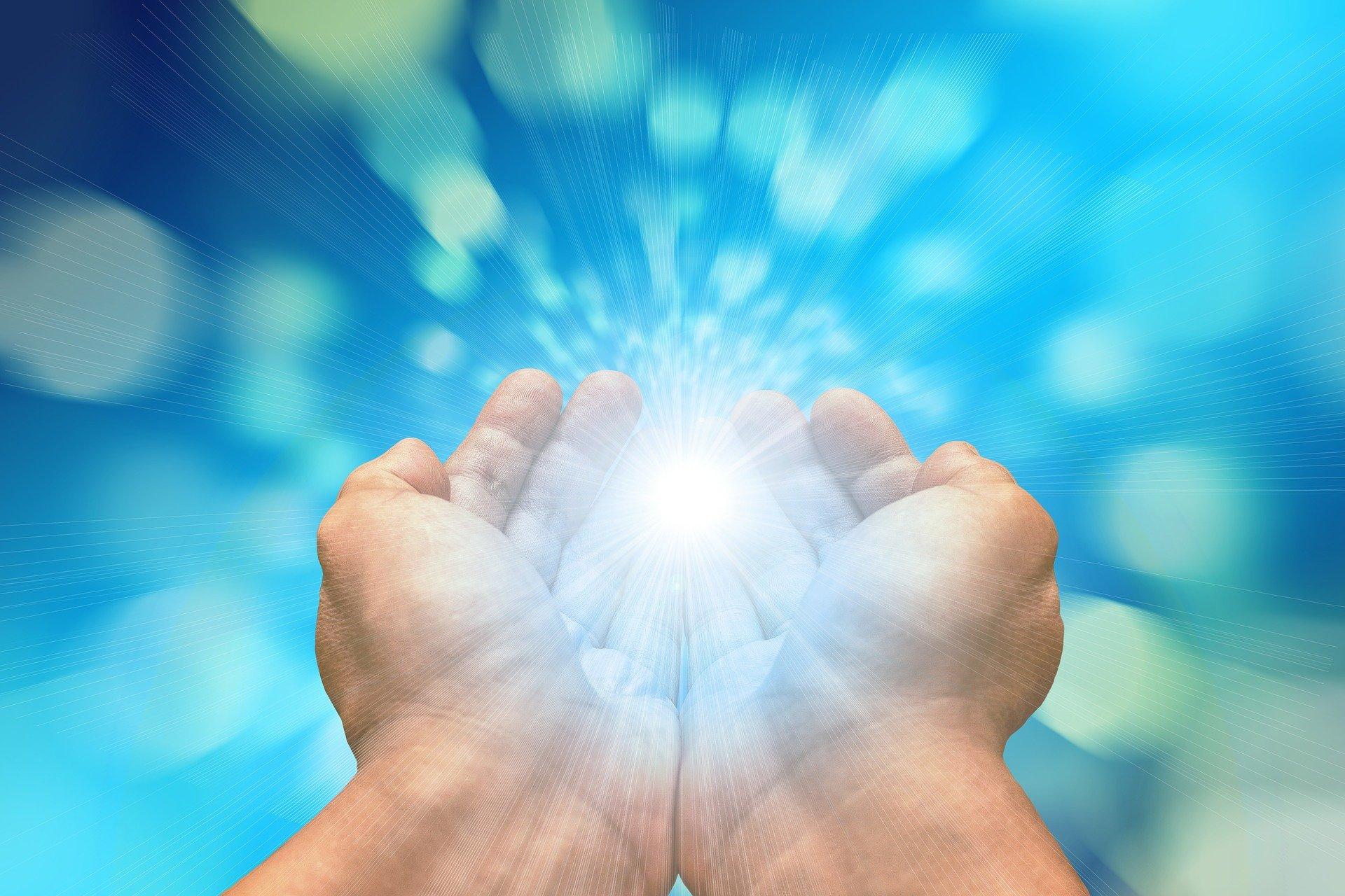 Energetische Reinigung mit weißem Licht