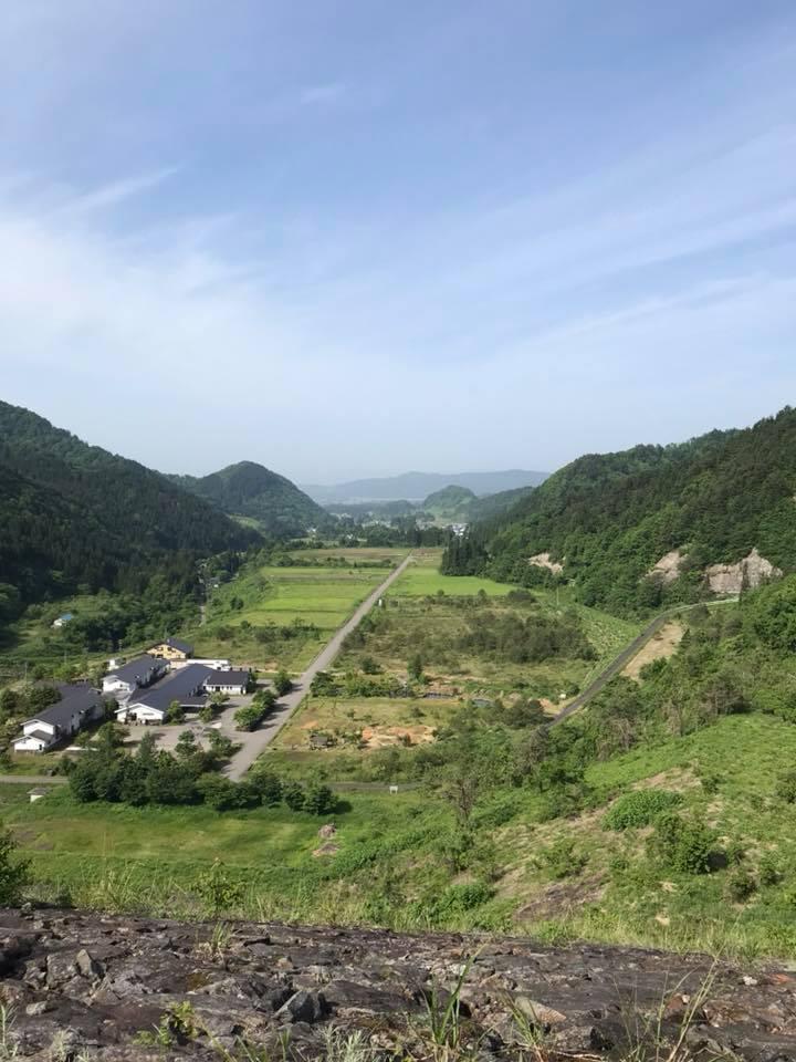 朝のお散歩 日中ダムからの景色