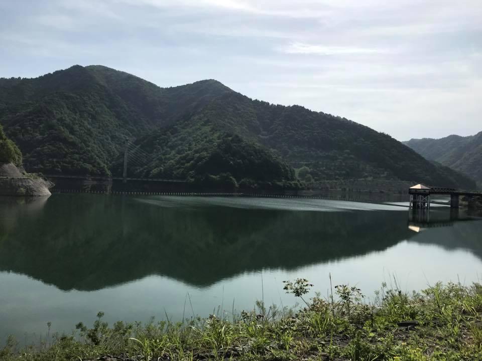 朝のお散歩 日中ダム