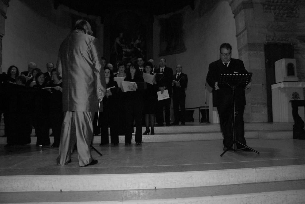Alberto Mastromarino e coro
