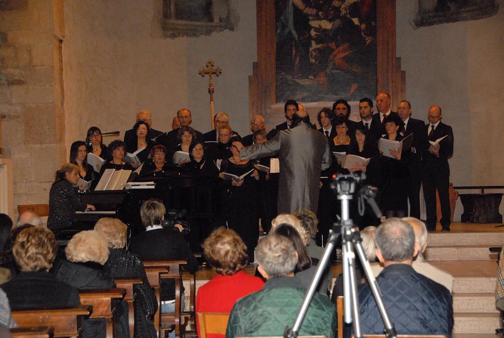 alla direzione Franco Sivestri, al pianoforte Daniela Candiotto