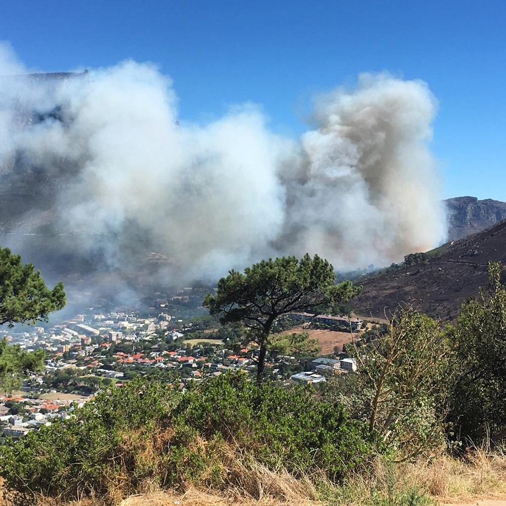 Brand rond de Tafelberg