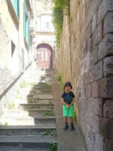 Kleiner Mann in Sorrent (Foto Darius Behrouzi)
