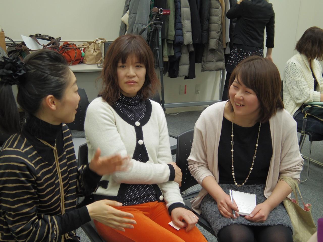 途中、参加者の皆さん同士のシェアの時間も多く、笑顔が溢れる会場。