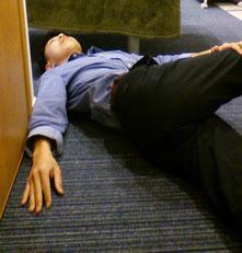合わない靴で腰椎椎間板ヘルニアに悩む奈良県大和高田市の職員