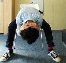 勉強のし過ぎで腰が痛い奈良県御所市の男性