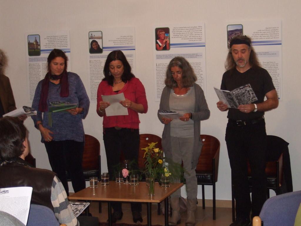 von l. nach r.: Charlotte Springer, Karima Badr, Luisa Giannetta, Bernd Beißel