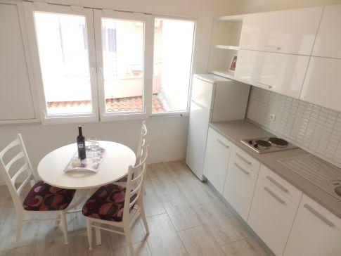 Апартаменты в Промайне первый ряд от моря, отдых с детьми, Макарска ривьера, Хорватия