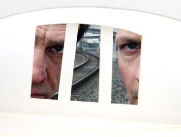 Zwei fremde in Zug