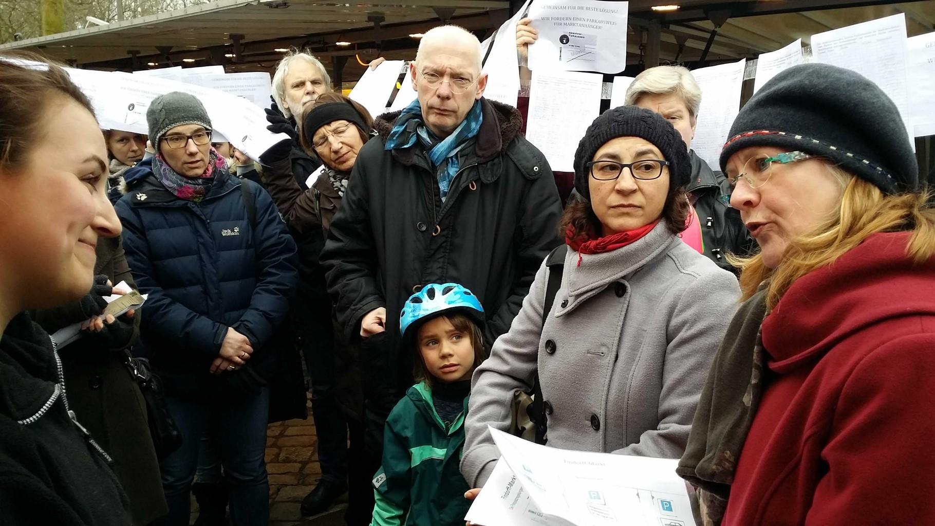 Protesttag auf dem Findorffmarkt: die Marktbetreiber haben über 1.600 Unterschriften gesammelt